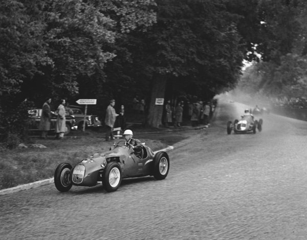 Bremgarten, Berne, Switzerland. 27th May 1951. Stirling Moss (HWM 51-Alta), 8th position, action. World Copyright: LAT Photographic Ref: Autocar Glass Plate C29184
