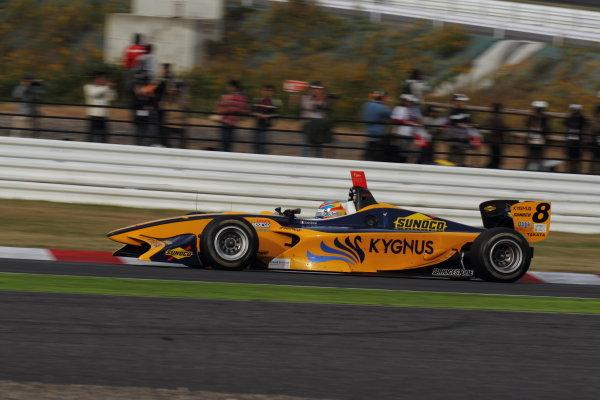 Suzuka Circuit, Japan. Rd 7 - 3rd - 4th November 2012. Race 2 2nd position Loic Duval ( #8 Team KYGNUS SUNOCO ) action World Copyright: Yasushi Ishihara/LAT Photographic ref: Digital Image 2012FN_Rd7_025