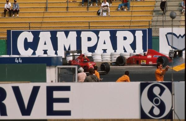 The Ferrari 640's of Nigel Mansell (GBR) and Gerhard Berger (AUT) made contact in practice. German Grand Prix, Hockenheim, 30 July 1989