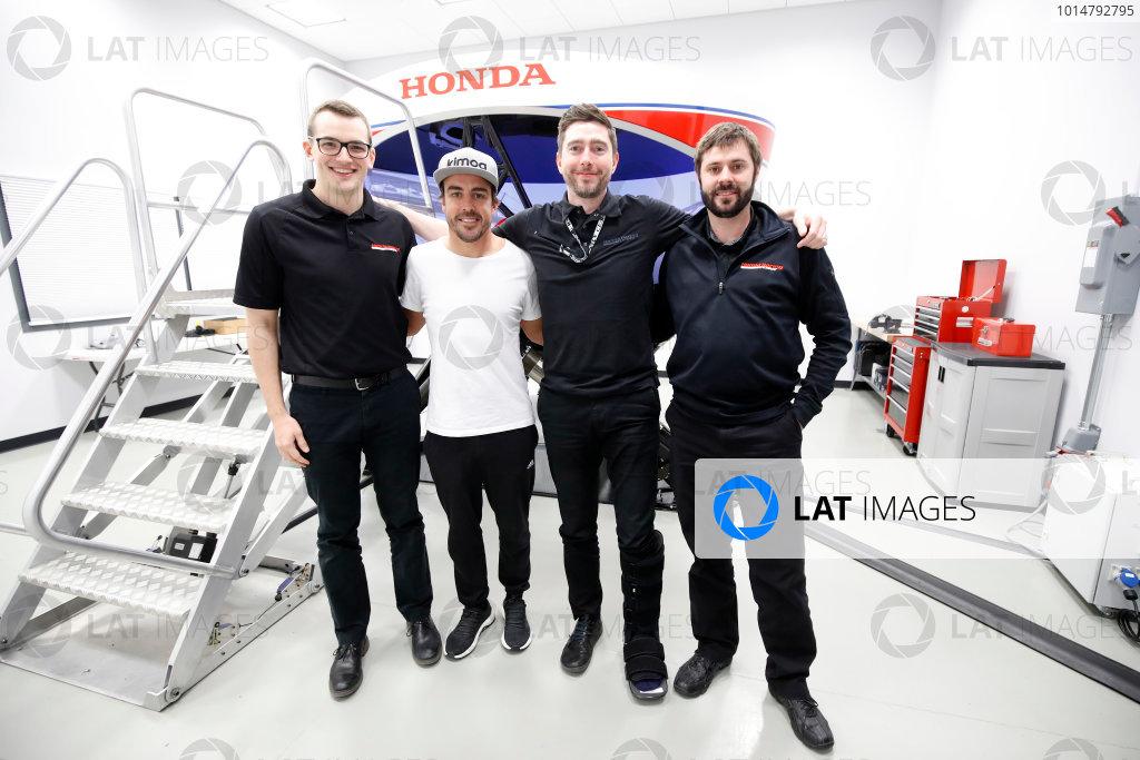 2017 Verizon IndyCar Series Fernando Alonso Simulator Test at HPD-I Brownsburg, Indiana, USA Tuesday 25 April 2017 Fernando Alonso in the Honda Performance Development simulator with the HPD engineers World Copyright: Michael L. Levitt LAT Images