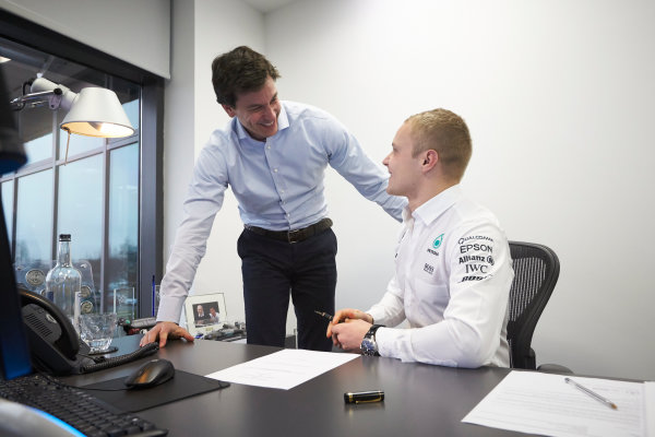 Mercedes F1 Driver Announcement Mercedes AMG Factory, Brackley, UK Monday 16 January 2017 Valtteri Bottas signs his contract as the new Mercedes AMG F1 driver for 2017. World Copyright: Steve Etherington/LAT Photographic ref: Digital Image EW4P2928