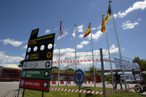2004 Spanish Grand Prix - ThursdayCircuit de Catalunya, Barcelona, Spain. 7th - 9th May.Pre-race atmosphere at the circuit entrance.World Copyright: Lorenzo Bellanca/LAT Photographicref: Digital Image Only