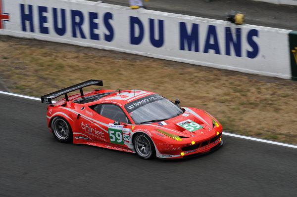 5th - 12th June 2011. Stephane Ortelli/Frederic Makowiecki/Jaime Melo, Luxury Racing, No 59 Ferrari 458 Italia. Action. World Copyright: Jeff Bloxham/LAT PhotographicDigital Image ref: DSC_2827