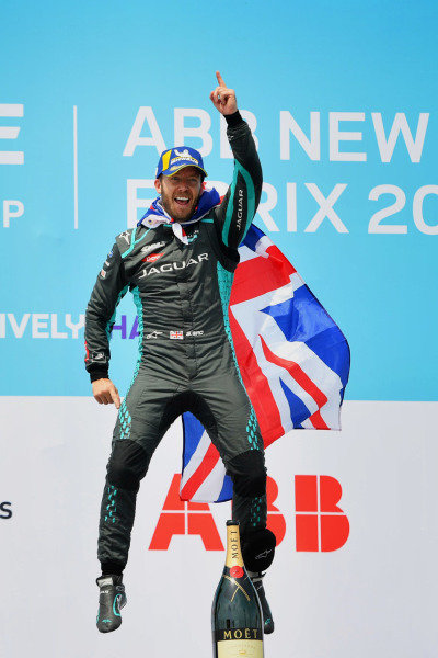 Sam Bird (GBR), Jaguar Racing, 1st position, celebrates on the podium