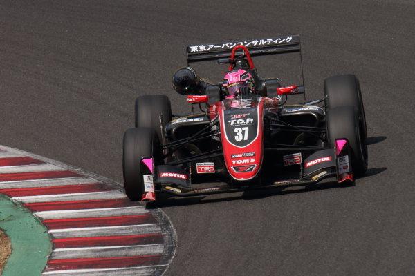 ROUND 15, Kazuto Kotaka, Corolla Chukyo Kuo TOM'S Dallara F317 Toyota TOM's, 3rd position