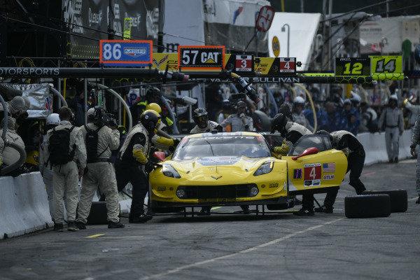 #4 Corvette Racing Corvette C7.R, GTLM: Oliver Gavin, Marcel Fassler Pit Stop.