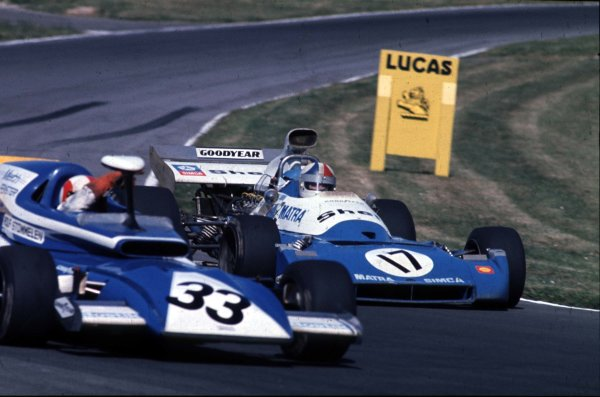 1972 British Grand Prix.  Brands Hatch, England. 13-15th July 1972. Rolf Stommelen (Eifelland March 721 Ford) moves aside for  Chris Amon (Matra-Simca MS120C). They finished in 10th and 4th positions respectively.  Ref: 72GB12. World Copyright - LAT Photographic