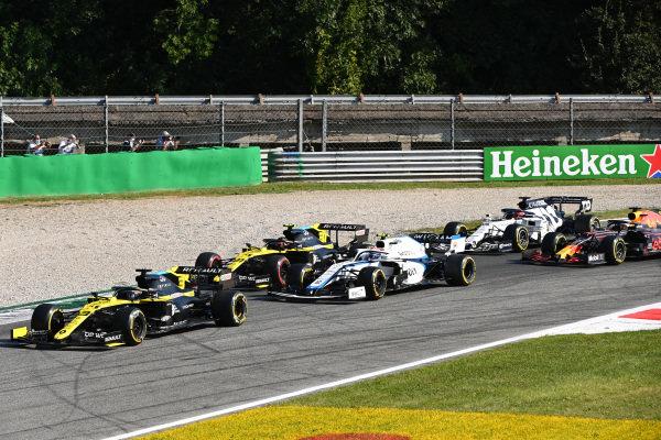 Daniel Ricciardo, Renault R.S.20, leads Nicholas Latifi, Williams FW43 and Esteban Ocon, Renault R.S.20