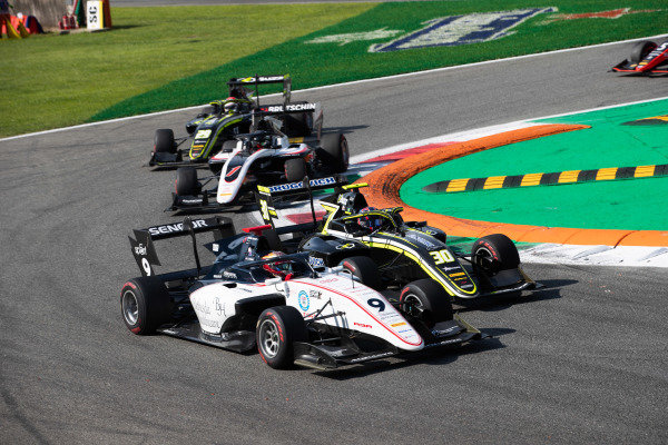 AUTODROMO NAZIONALE MONZA, ITALY - SEPTEMBER 07: Raoul Hyman (GBR, Sauber Junior Team by Charouz) and Felipe Drugovich (BRA, Carlin Buzz Racing) during the Monza at Autodromo Nazionale Monza on September 07, 2019 in Autodromo Nazionale Monza, Italy. (Photo by Joe Portlock / LAT Images / FIA F3 Championship)