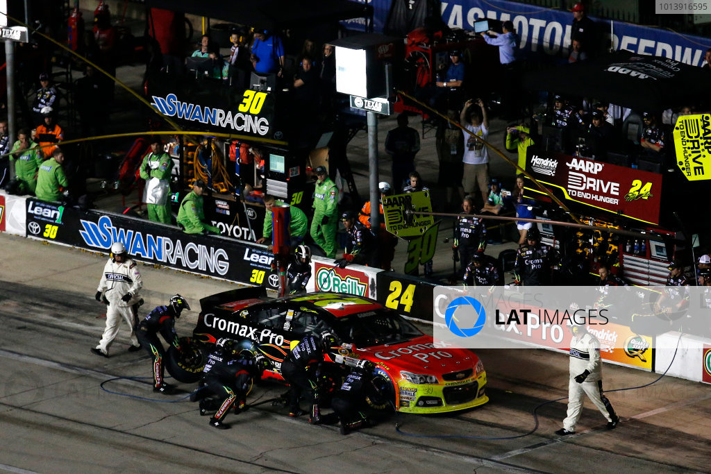 11-13 April, 2013, Fort Worth, Texas, USA Jeff Gordon final pit stop © 2013, Michael L. Levitt LAT Photo USA.