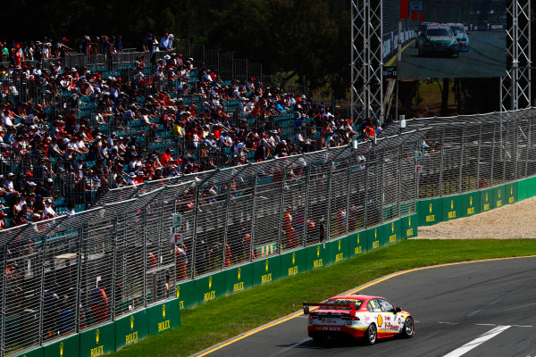 Australian Supercars Series Albert Park, Melbourne, Australia. Sunday 26 March 2017. Race 4. Fabian Coulthard, No.12 Ford Falcon FG-X, Shell V-Power Racing Team.  World Copyright: Zak Mauger/LAT Images ref: Digital Image _56I0272
