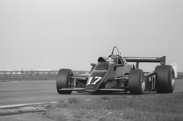 Kenny Acheson (GBR), Maurer MM83-BMW, retired after an accident.European Formula Two Championship, Rd1, Marlboro/Daily Express International Trophy, Silverstone, England. 20 March 1983.