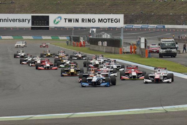 2017 Japanese Super Formula. Motegi, Japan. 19th - 20th August 2017. Rd 4. Start of the race, action World Copyright: Yasushi Ishihara / LAT Images. Ref: 2017SF_Rd4_002