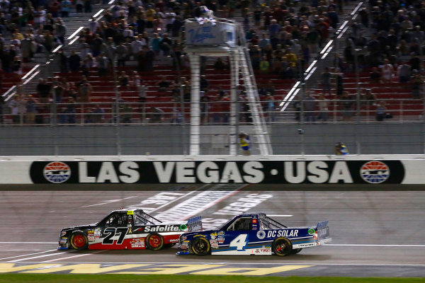 NASCAR Camping World Truck Series Las Vegas 350 Las Vegas Motor Speedway, Las Vegas, NV USA Saturday 30 September 2017 Ben Rhodes, Safelite Auto Glass Toyota Tundra and Christopher Bell, DC Solar Toyota Tundra checkered flag World Copyright: Russell LaBounty LAT Images