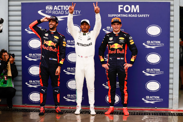 Autodromo Nazionale di Monza, Italy. Saturday 02 September 2017. Lewis Hamilton, Mercedes AMG, celebrates with Daniel Ricciardo, Red Bull Racing, and Max Verstappen, Red Bull Racing, after taking his 69th F1 Pole Position. World Copyright: Zak Mauger/LAT Images  ref: Digital Image _56I7686