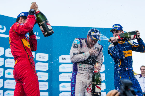 2015/2016 FIA Formula E Championship. Buenos Aires ePrix, Buenos Aires, Argentina. Saturday 6 February 2016. Sebastien Buemi (SUI), Renault e.Dams Z.E.15, Sam Bird (GBR), DS Virgin Racing DSV-01, Lucas Di Grassi (BRA), ABT Audi Sport FE01. Photo: Zak Mauger/LAT/Formula E ref: Digital Image _MG_8398