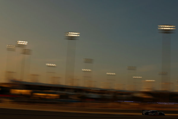 2015 FIA World Endurance Championship Bahrain 6-Hours Bahrain International Circuit, Bahrain Saturday 21 November 2015. Anthony Davidson, S?bastien Buemi, Kazuki Nakajima (#1 LMP1 Toyota Racing Toyota TS 040 Hybrid). World Copyright: Alastair Staley/LAT Photographic ref: Digital Image _R6T9692