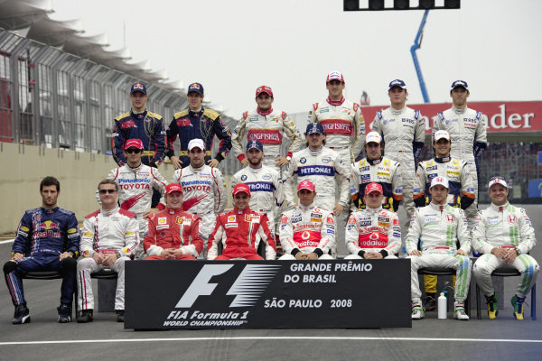 The end of season group photo on the grid.