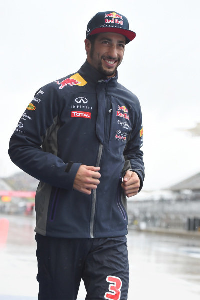 Daniel Ricciardo (AUS) Red Bull Racing at Formula One World Championship, Rd16, United States Grand Prix, Race, Austin, Texas, USA, Sunday 25 October 2015.