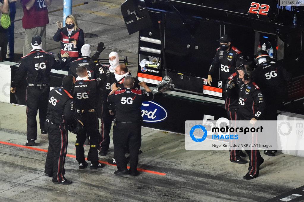 #22: Austin Cindric, Team Penske, Ford Mustang Verizon 5G