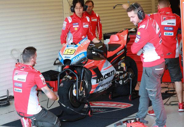 Bikes of Alvaro Bautista, Ducati Test Team.