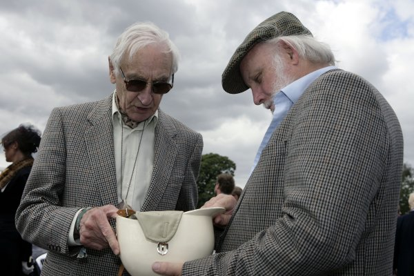 Goodwood, West Sussex. 1st - 2nd September 2007. Tribute to Roy Salvadori. Roy Salvadori and Doug Nye.World Copyright: Gary Hawkins/LAT Photographic ref: Digital Image Only