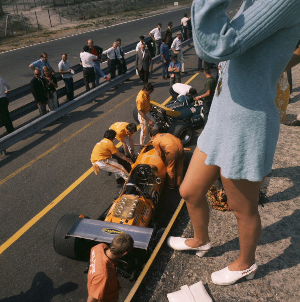 1970 Dutch Grand Prix. Zandvoort, Holland. 19th - 21st June 1970. Andrea de Adamich (McLaren 14D-Alfa Romeo), DNQ, in the pits during practice, portrait.  World Copyright: LAT Photographic. Ref: 70MF HOL 02.