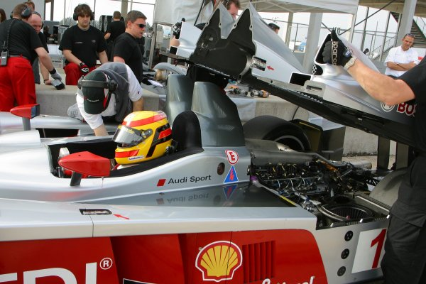 JANUARY 23-25, 2006, SEBRING INTERNATIONAL RACEWAY FRANK BIELA AUDI R10  ©2006, GREG ALECK/LAT