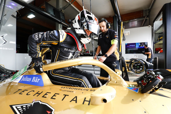 Andre Lotterer (DEU), DS TECHEETAH climbs into the cockpit of his DS E-Tense FE19