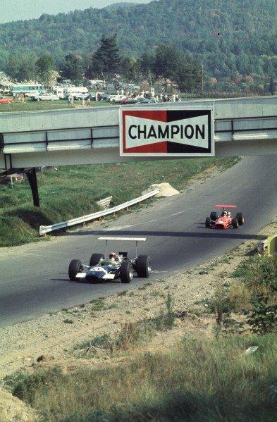 1968 Canadian Grand Prix.Mont-Tremblant, (St. Jovite), Quebec, Canada.20-22 September 1968.Jo Siffert (Lotus 49B Ford) leads Chris Amon (Ferrari 312).Ref-68 CAN 50.World Copyright - LAT Photographic