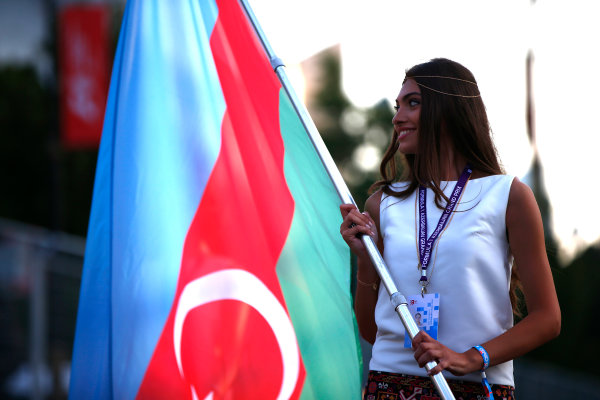 Baku City Circuit, Baku, Azerbaijan. Friday 23 June 2017. Grid Girl with the Azerbaijan flag. World Copyright: Andrew Hone/LAT Images ref: Digital Image _ONY9590