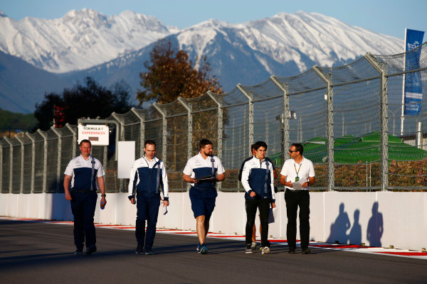 Sochi Autodrom, Sochi, Russia. Thursday 27 April 2017. Lance Stroll, Williams Martini Racing, conducts a track walk with colleagues. World Copyright: Andy Hone/LAT Images ref: Digital Image _ONZ8939