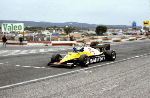 Paul Ricard, France.15-17 April 1983.Alain Prost (Renault RE40) 1st position.Ref-83 FRA 01.World Copyright - LAT Photographic