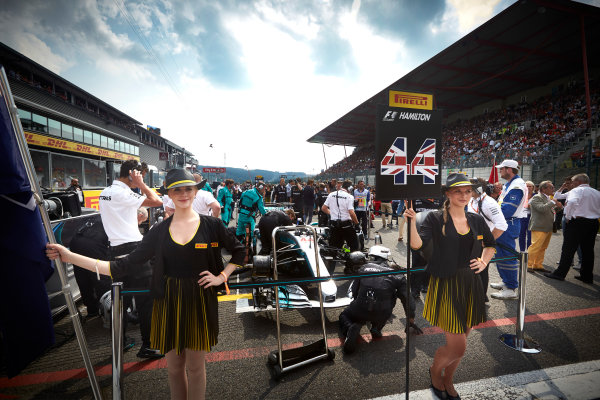 Spa Francorchamps, Belgium.  Sunday 27 August 2017. Grid Girls for Lewis Hamilton, Mercedes AMG. World Copyright: Steve Etherington/LAT Images  ref: Digital Image SNE10387