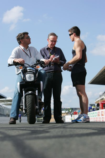 2008 MotoGP Championship.Le Mans, France. 15th - 18th May, 2008.James Toseland his Manager Roger Burnett on bike and Journalist Mike Nicks get Toseland's thoughts of the Le Mans circuit after he ran five laps .World Copyright: Martin Heath / LAT Photographic