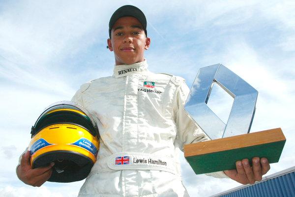 Lewis Hamilton, Winner Formula Renault Championship. Donington, 7th September 2003. World Copyright Jakob Ebrey/LAT Photographic