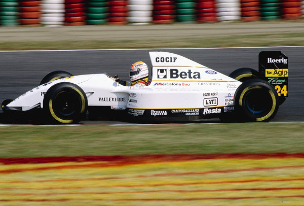 1993 Japanese Grand Prix. Suzuka, Japan. 22-24 October 1993. Pierluigi Martini (Minardi M193 Ford) 10th position. Ref-93 JAP 28. World Copyright - LAT Photographic