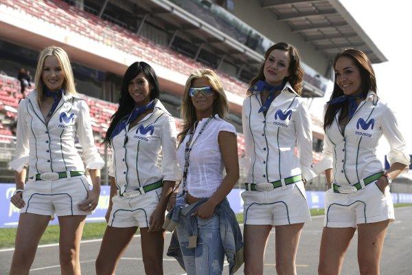 2006 Spanish Grand Prix - Friday Practice Circuit de Catalunya, Barcelona, Spain. 11th - 14th May 2006 Telefonica Movistar grid girls, glamour. World Copyright: Charles Coates/LAT Photographic ref: Digital Image ZK5Y4913