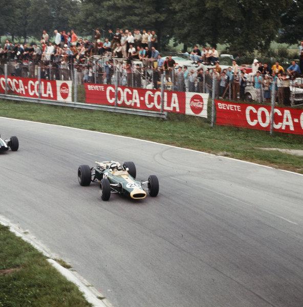 Monza, Italy. 2-4 September 1966.Jim Clark (Lotus 43 BRM) in practice.Ref-3/2362.World Copyright - LAT Photographic