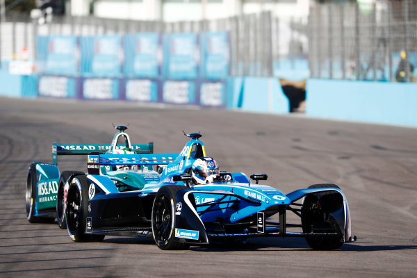 Nicolas Prost (FRA), Renault e.Dams, Renault Z.E 17, leads Antonio Felix da Costa (POR), MS + AD Andretti Formula E Team, Andretti ATEC-03.