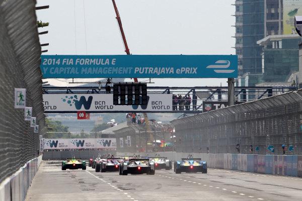 Putrajaya E-Prix, Race. Putrajaya E-Prix, Malaysia - 20th-22nd November 2014. Saturday 22 November 2014.  Photo: Michael Hoyer - Jakob Ebrey/LAT/ Formula E ref: Digital Image EL0G1047