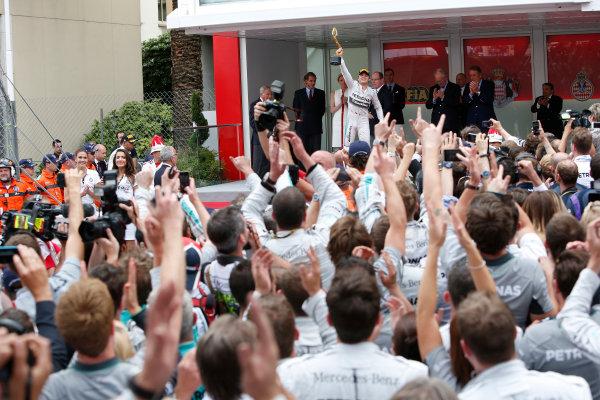 Monte Carlo, Monaco. Sunday 25 May 2014. Nico Rosberg, Mercedes AMG, 1st Position, lifts his trophy on the podium. World Copyright: Andrew Ferraro/LAT Photographic. ref: Digital Image _FER7063
