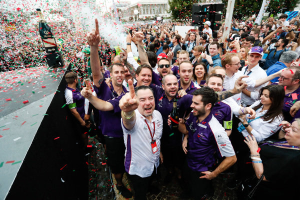 Sam Bird (GBR), DS Virgin Racing, DS Virgin DSV-03, ,wins the Rome ePrix, and celebrates with the DS Virgin Team.