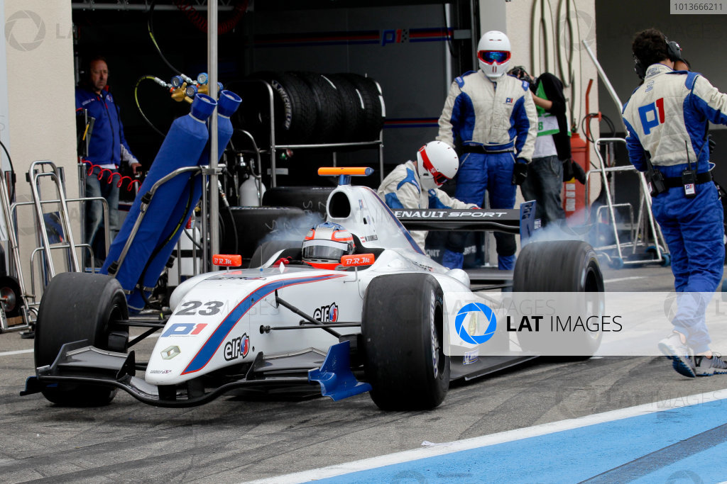 PAUL RICARD (FRA) SEP 16 - 18 2011 - Round 6 of the Formula Renault 3 5 race 2011 at Paul Ricard. Walter Grubmuller (AUT), #23 P1 Motorsport. Action. © 2011 Miguel Fonseca / LAT Photographic