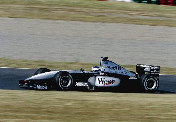 1999 Japanese Grand Prix.Suzuka, Japan. 29-31 October 1999.Mika Hakkinen (McLaren MP4/14 Mercedes) 1st position.Ref-99 JAP 98.World Copyright - Charles Coates/LAT Photographic