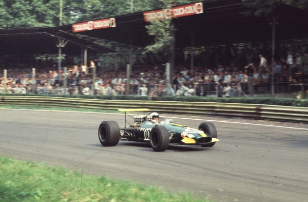 1968 Italian Grand Prix.Monza, Italy.6-8 September 1968.Jack Brabham (Brabham BT26 Repco).Ref-68 ITA 18.World Copyright - LAT Photographic