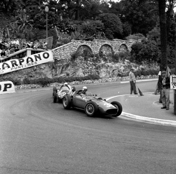 1960 Monaco Grand Prix.Monte Carlo, Monaco.26-29 May 1960.Wolfgang von Trips (Ferrari Dino 156) leads Tony Brooks (Cooper T51-Climax)Ref-6501.World Copyright - LAT Photographic