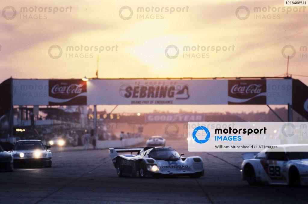 Chip Robinson / Al Holbert, Porsche 962.