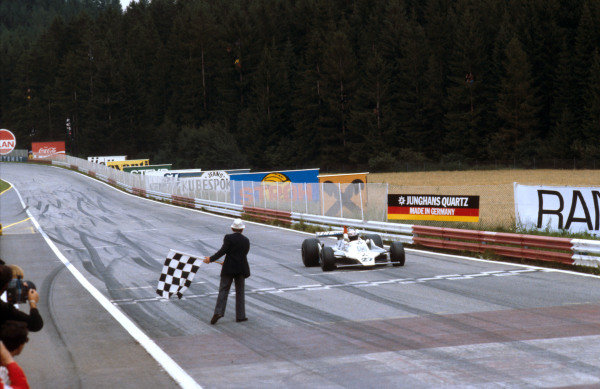 1979 Austrian Grand Prix.Osterreichring, Zeltweg, Austria.10-12 August 1979.Alan Jones (Williams FW07 Ford) takes the chequered flag and the win.Ref-79 AUT 01.World Copyright - LAT Photographic