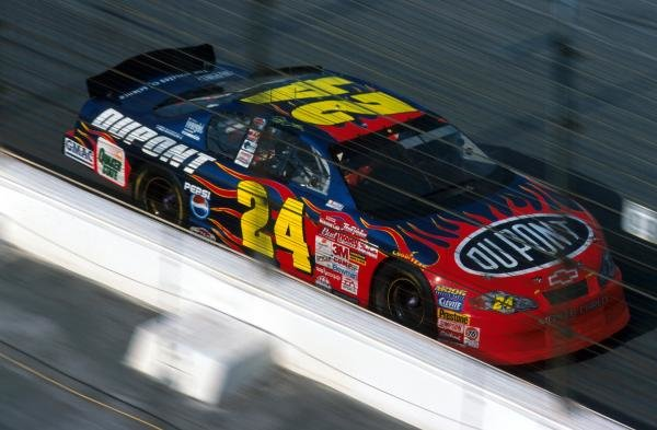 Fourth time NASCAR Winston Cup title winner Jeff Gordon (USA) finished the race in 6th place.